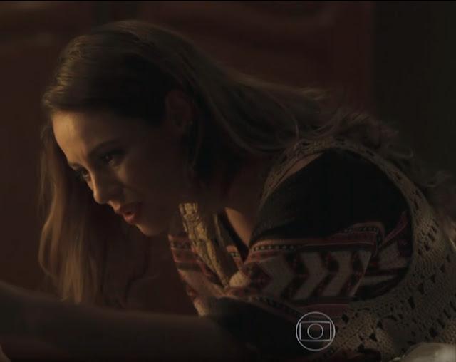 Melissa (Paola Oliveira) figurino nova (segunda) fase Além do Tempo, colete