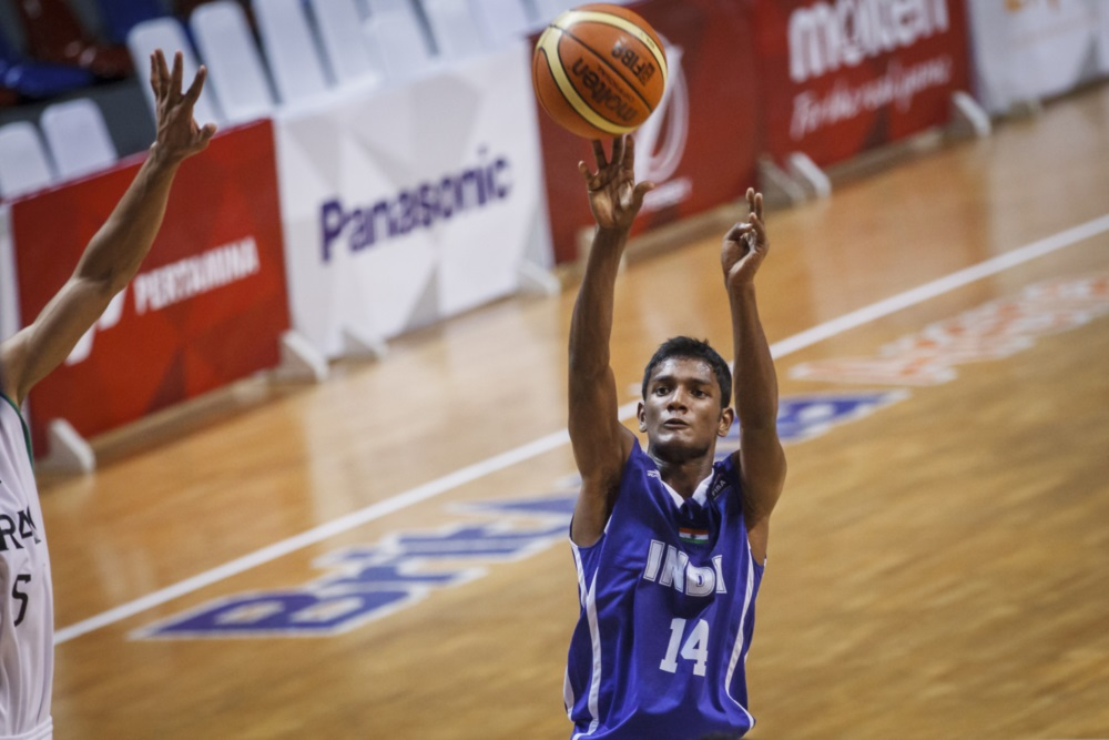 Hoopistani Three Young Indians Chosen For Nbas Basketball Without