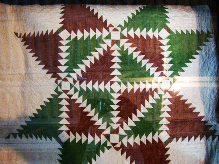 vintage quilt, feathered star, Columbia Gorge Museum