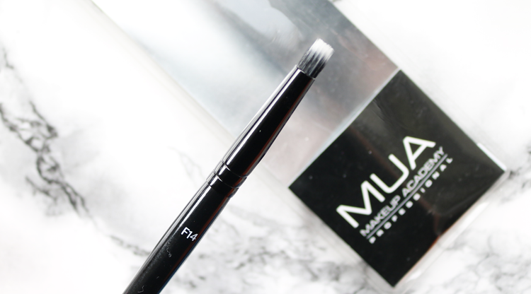 MUA F14 Precision Stippling Brush review