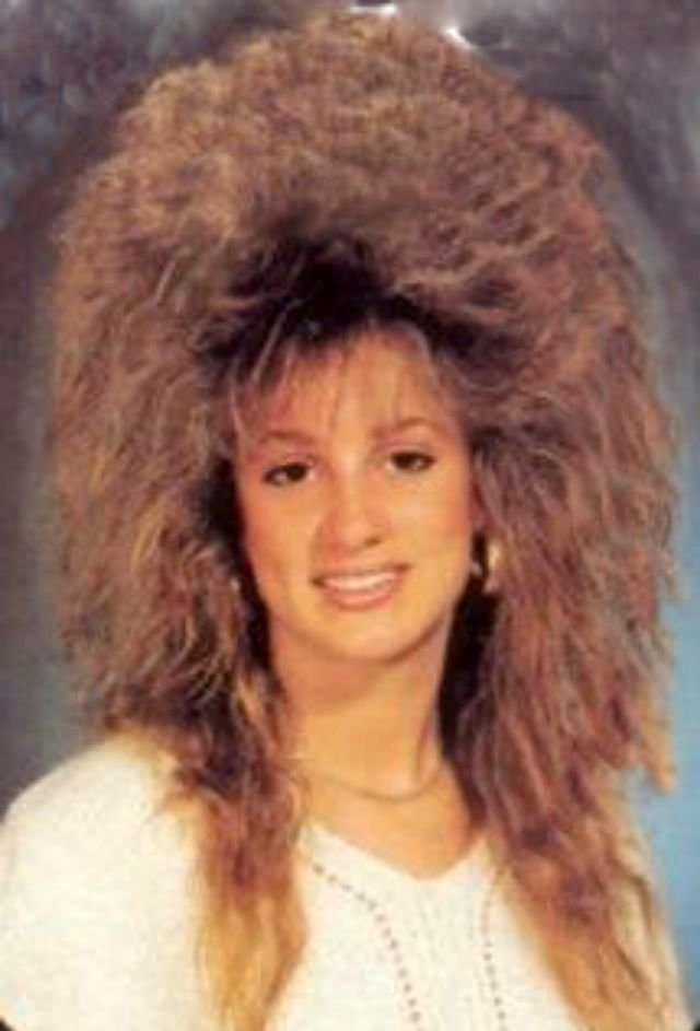 40 Vintage Snaps Of Young Girls With Very Big Hair In The