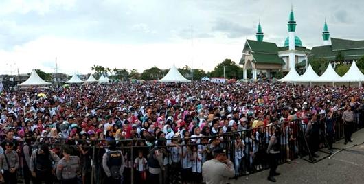 Ribuan Warga Padati Deklarasi Jokowi-Ma'ruf di Kendari