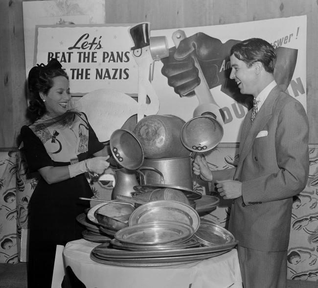 Merle Oberon and Alfred Vanderbilt, 23 July 1941 worldwartwo.filminspector.com