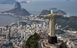 Funcionarios brasileños realizan ceremonia del corte de listón