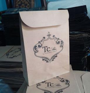 Tas kertas untuk tempat cosmetik