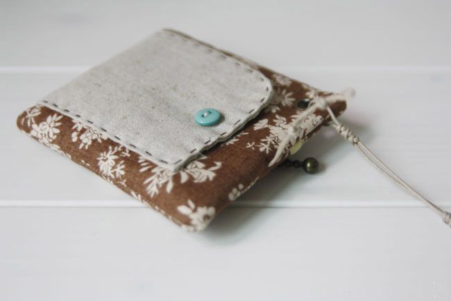How To Sew A Zipper Coin Purse. DIY tutorial in pictures.
