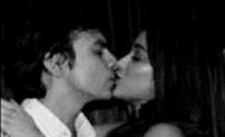 Janhavi Kapoor Kissing her boyfriend Shikhar Pahariya