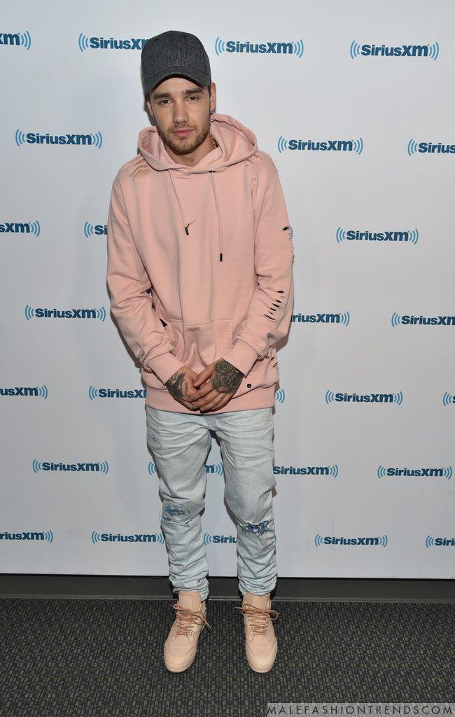Liam Payne y su distressed hoodie de Criminal Damage