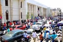 Haitianos agreden inspectores del ayuntamiento de Santiago