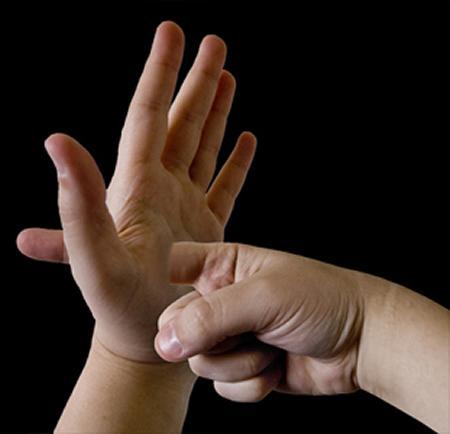 jari tangan tembus