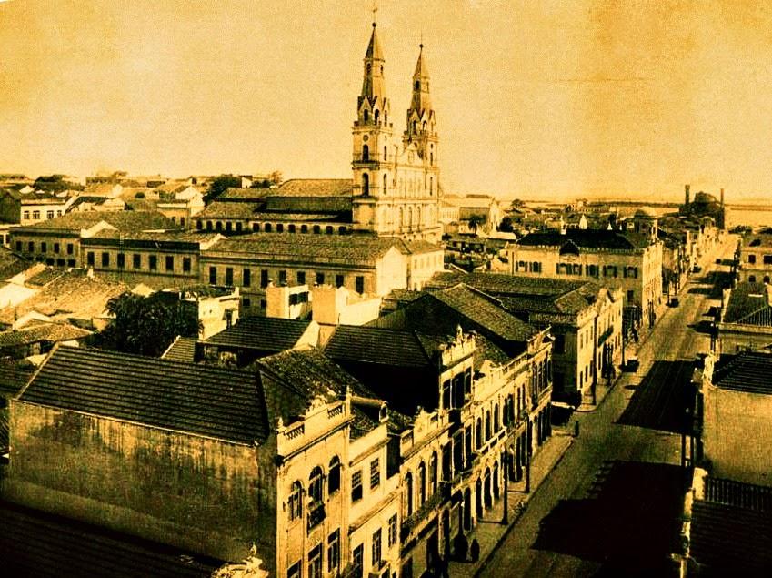 Rua Sete de Setembro e Igreja das Dores, 1930 - Porto Alegre
