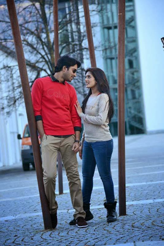 Allari Naresh-Bandipotu, Eesha Hot Pics in tight Jeans from Bandipotu Movie