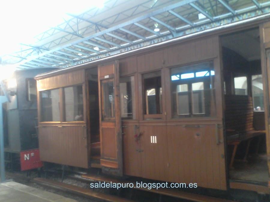 tren antiguo museo ferrocarril gijón