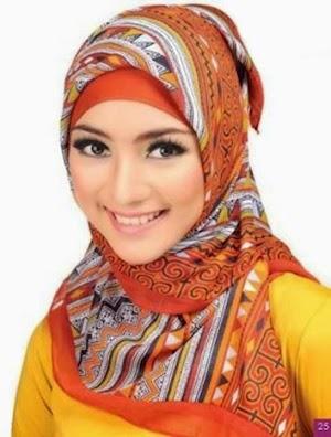 Wabah Remaja Putri Akan Model Hijab Paris Segi Empat