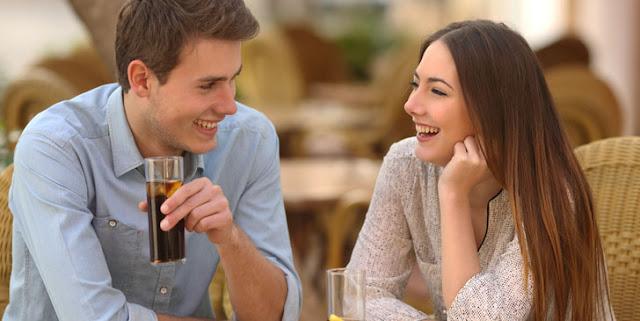 Cara memikat perhatian wanita pada pandangan pertama