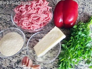 Rulada de carne tocata cu pesmet - ingredientele retetei
