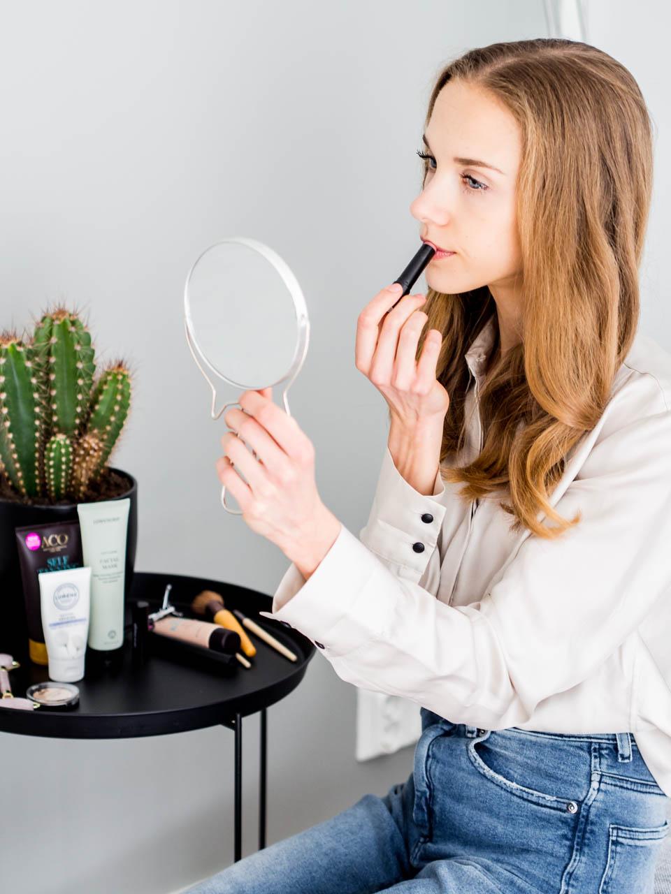 beauty-product-recommendations-skincare-natural-cosmetics-make-up-self-tan-kauneus-kauneudenhoitovinkki-tuotevinkki-luonnonkosmetiikka-ihonhoito-meikit-itseruskettava