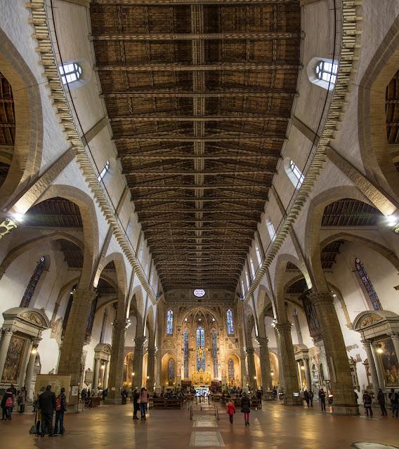 Nave principal de la Santa Croce :: Panorámica 9 x Canon EOS5D MkIII | ISO1600 | Canon 24-105@24mm | f/4.0 | 1/10s