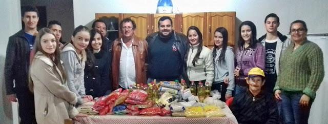 Roncador: Professores e alunos entregam alimentos em asilo da cidade