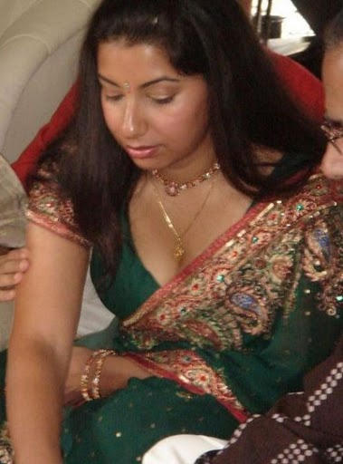 Tollywood Don Desi Mallu Navel Aunty Saree Pic-6246
