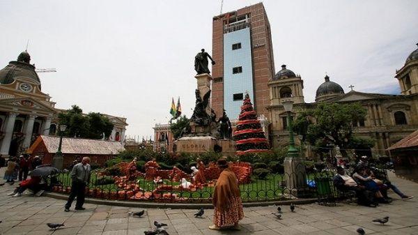 Bolivianos reciben el Año Nuevo con tradiciones milenarias