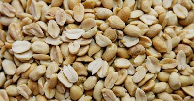 Bolos de Liquidificador traz um Recheio de Amendoim delicioso. Confira e faça a receita