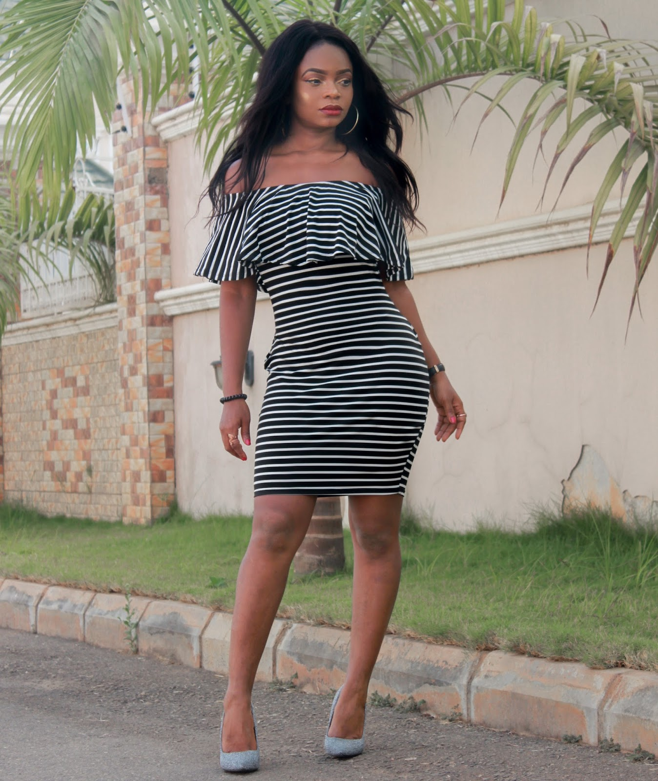 OFF SHOULDER + STRIPES - Rosegal Off The Shoulder Striped Bodycon Dress with Jumia Glitter Court Shoes