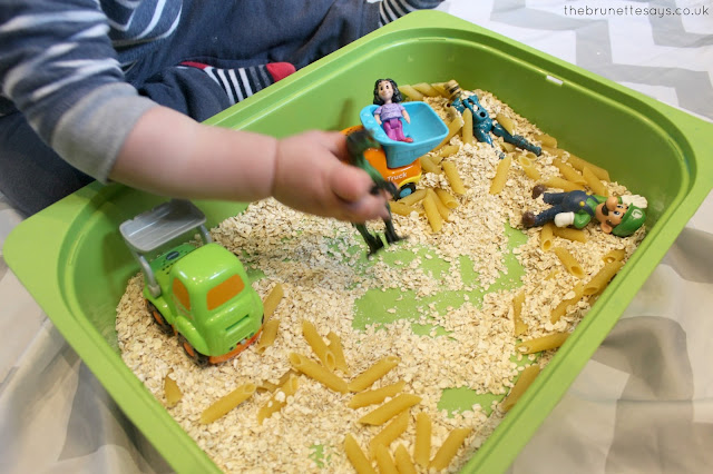 toddler activities, small world, sensory play