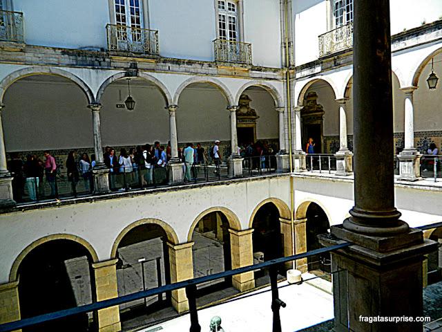 Pátio interno da Faculdade de Direito da Universidade de Coimbra