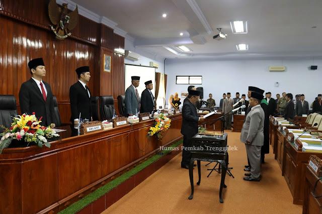 Emil Dardak dan Nur Arifin Kompak Hadiri Paripurna PAW Anggota DPRD Trenggalek