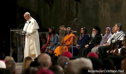 El Papa Francisco en oración ecuménica