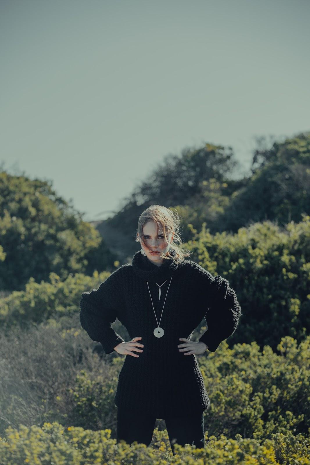 Amaltea Presenta Su Joyas Eihwaz Rescate Vikingo Quinta Trends  # Muebles Vikingos La Serena