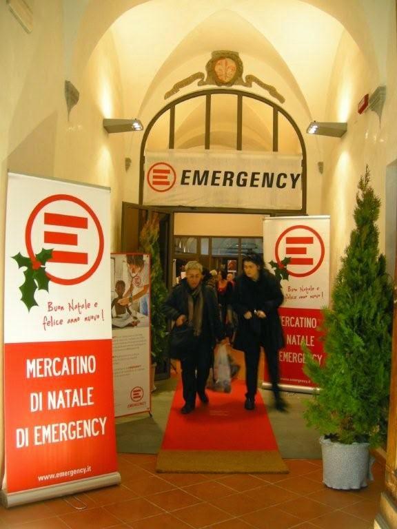 Emergency Regali Di Natale.La Materia Dei Sogni Una Serata Con I Volontari Di Emergency