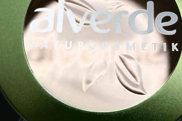 Alverde kompaktný púder 010 Naturelle