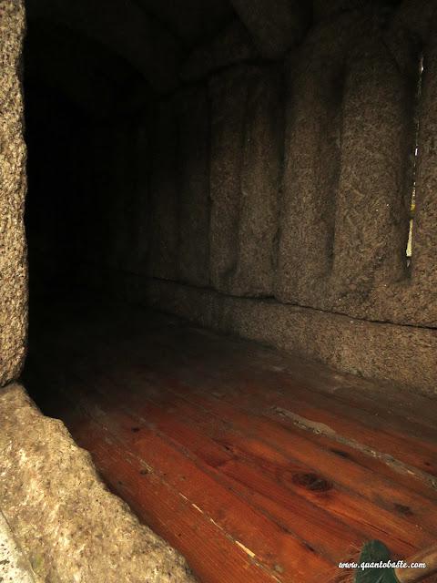 Parque Nacional Peneda-Gerês - Interior dos Espigueiros do Soajo