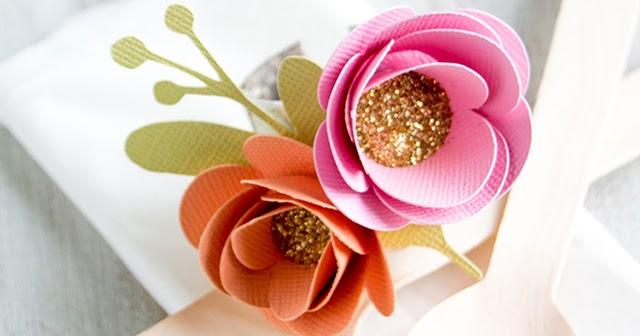 Eco friendly pretty paper flower napkin rings at crafts unleashed eco friendly pretty paper flower napkin rings at crafts unleashed minted strawberry mightylinksfo