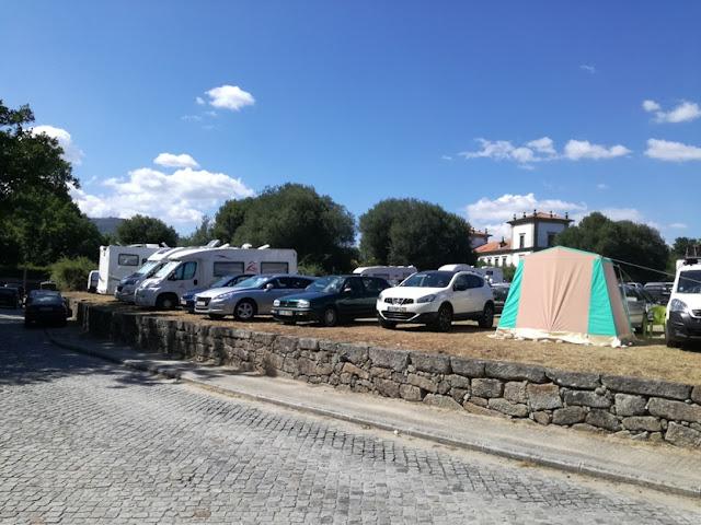 parque de estacionamento para caravanas e Autocaravanas
