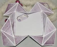 http://billes-bastelblog.blogspot.de/2017/02/anleitung-fur-eine-napkin-fold-card.html