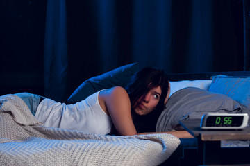 Why you should avoid eating before bedtime?