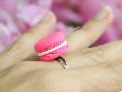 http://kailochic.blogspot.com/2015/06/craft-it-macaroon-ring.html