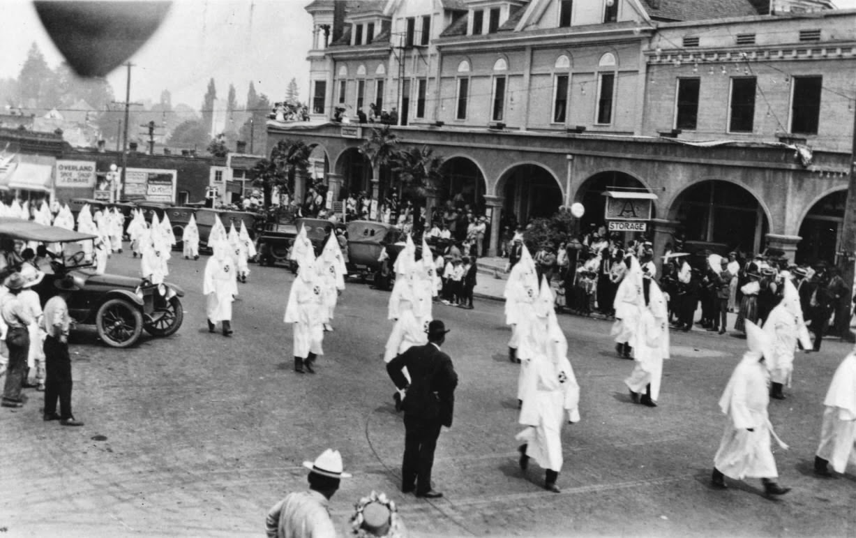 the cascadia courier the ku klux klan and my grandmother s house  klan parade in ashland