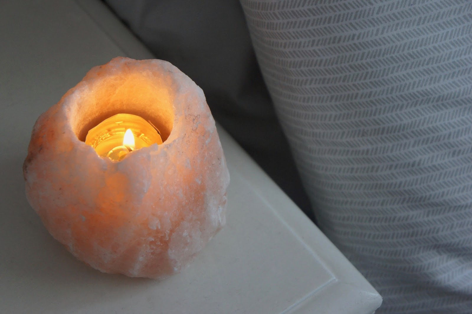 little detours himalayan salt rock tealight cosy winter candle