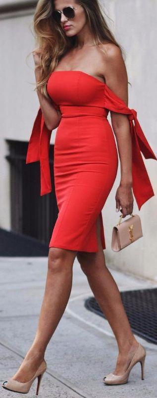 Βάλε το κόκκινο φουστάνι εκείνο που σε κάνει να μοιάζεις πυρκαγιά ... e3f059d37cd