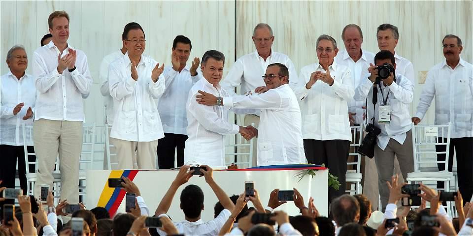 Presidente Santos gana Nobel de Paz 2016. Mensaje negativo internacional a Uribe los diálogos con las Farc