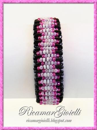 Bracciale con le spille da balia - Safety pin bracelet