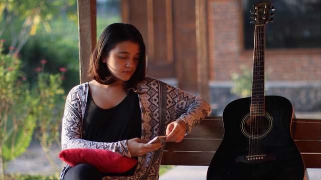 Kinanti Daravati Siddik vokalis Senja