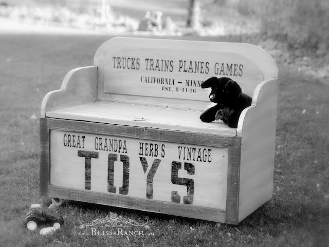 Old Toy Box Gets Handed Down, Bliss-Ranch.com