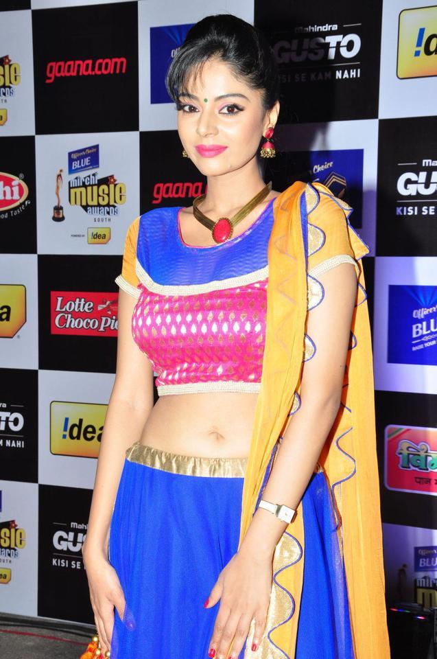 Beautiful Telugu Girl Sanam Shetty Navel Show Lehenga Choli Photos