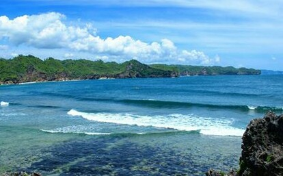 Pantai Srau Pacitan Surganya Para Surfer
