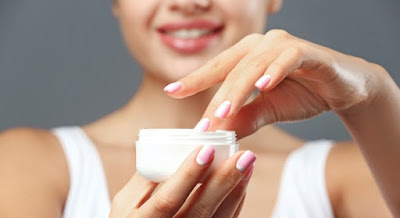Des composants de crèmes bon marché qui gâchent votre peau sans que vous le sachiez